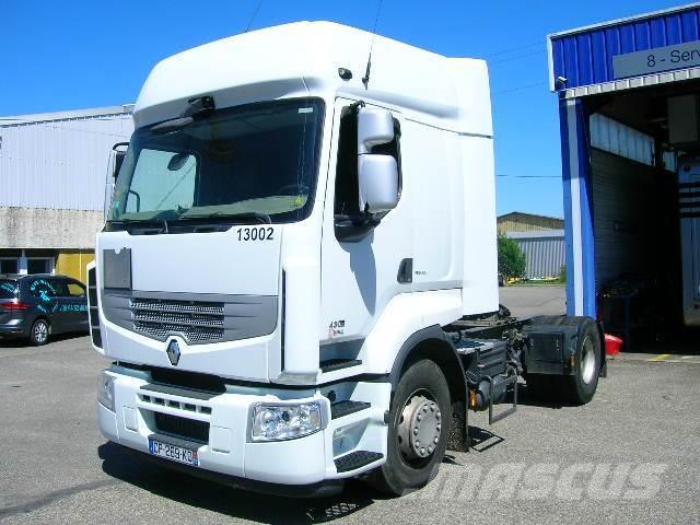 Des camions d occasion transformés en porteurs signés Renault Trucks ... 19070a163ff7